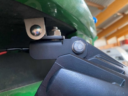 Picture of RHP-4 bracket for S series combine cab lights